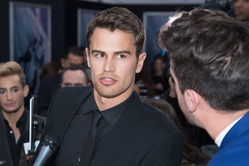 Theo James 'Allegiant' New York Premiere - Outside Arrivals