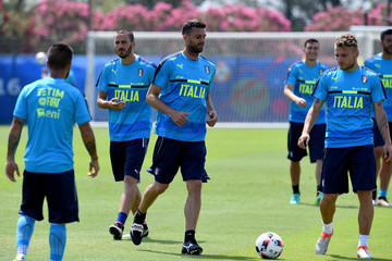 Thiago Motta Italy Training Session And Press Conference