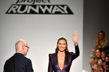 Tim Gunn Project Runway - Runway - September 2017 - New York Fashion Week: The Shows