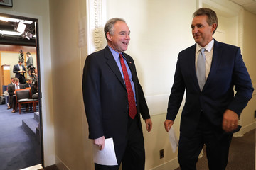 Tim Kaine Senators Flake and Kaine Promote Use of Military Force Against Terror Groups
