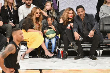Tina Knowles Celebrities At The 67th NBA All-Star Game: Team LeBron Vs. Team Stephen