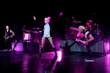 Tom Dumont No Doubt Performs At Gibson Amphitheater