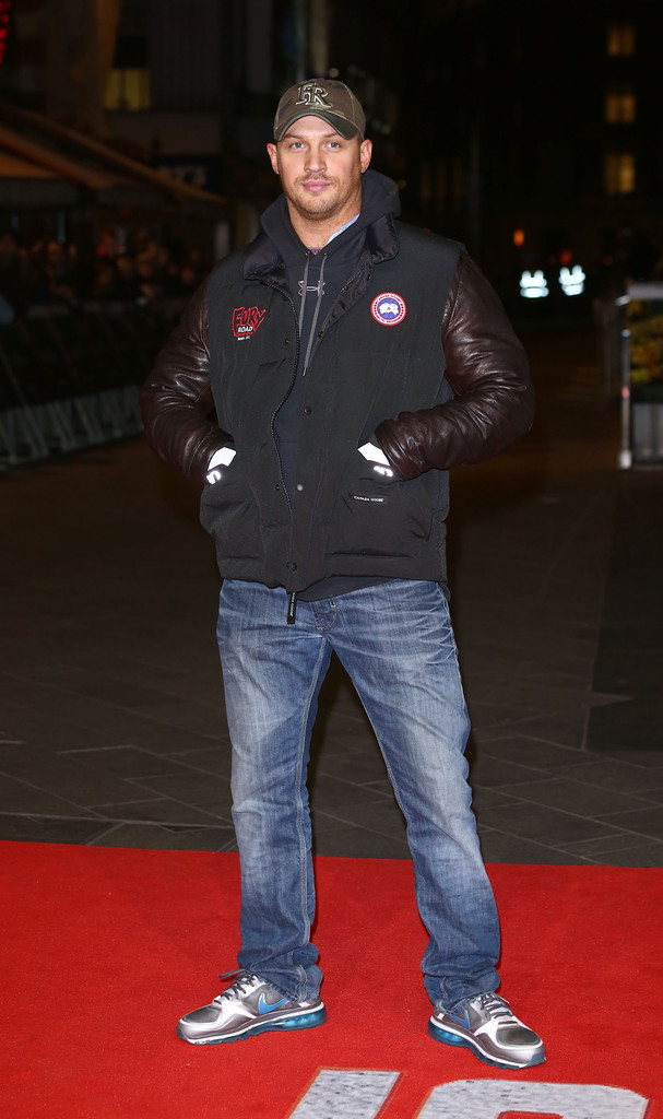 http://www4.pictures.zimbio.com/gi/Tom+Hardy+Jack+Reacher+World+Premiere+Red+Nqj_Kgh_kXJx.jpg