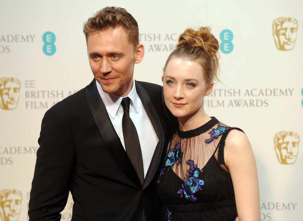 http://www4.pictures.zimbio.com/gi/Tom+Hiddleston+EE+British+Academy+Film+Awards+FTgoX7xdfxOx.jpg