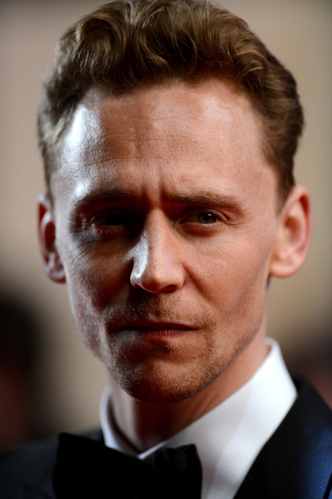 http://www4.pictures.zimbio.com/gi/Tom+Hiddleston+Only+Lovers+Left+Alive+Premieres+O0tcSmOeUwzx.jpg