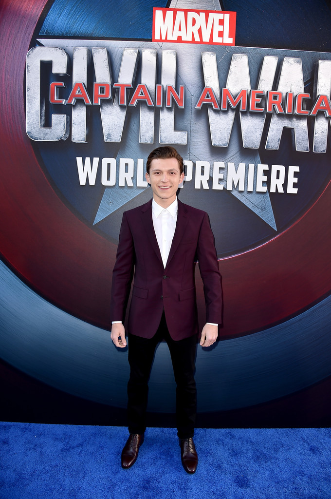 http://www4.pictures.zimbio.com/gi/Tom+Holland+Premiere+Marvel+Captain+America+Wf2uDOvBG2Dx.jpg