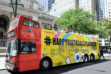 Tom Kenny Tom Kenny (SpongeBob) Of Nickelodeon's SpongeBob SquarePants Celebrates The 20th Anniversary On A Double Decker SpongeBob SquarePants Bus In New York City Monday July 1, 2019