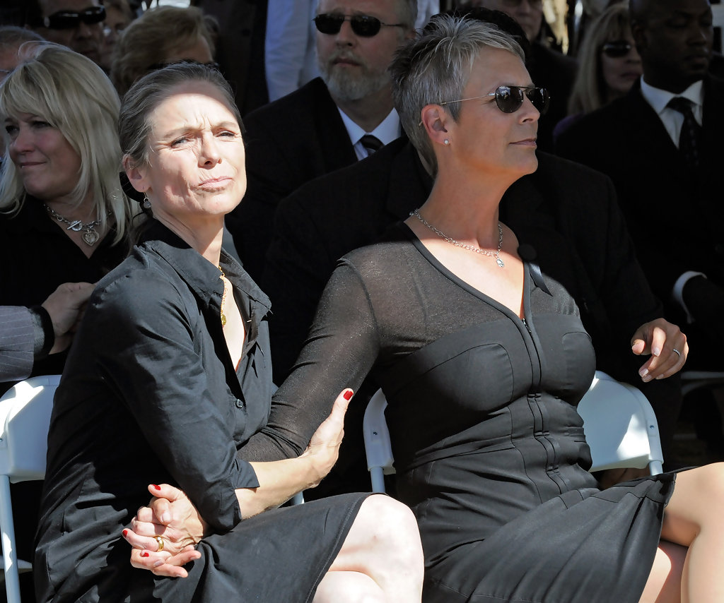 Jamie Lee Curtis Is One Of The Greatest Scream Queens All Time