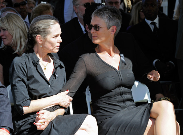 Jamie Lee Curtis in Tony Curtis Funeral - Zimbio