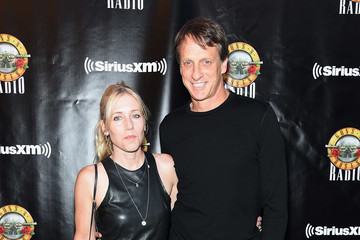 Tony Hawk SiriusXM's Private Show With Guns N' Roses At The Apollo Theater Before Band Embarks On Next Leg Of Its North American 'Not In This Lifetime' Tour