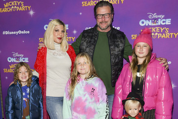 """Tori Spelling 2019 Disney On Ice """"Mickey's Search Party"""""""