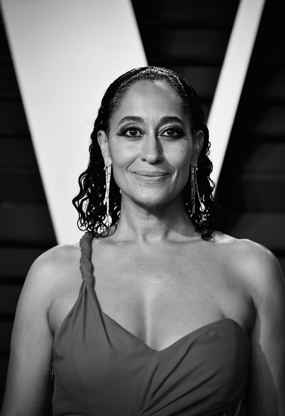 2019 Vanity Fair Oscar Party Hosted By Radhika Jones - Arrivals [image,face,white,hair,black,photograph,lady,black-and-white,beauty,monochrome photography,shoulder,radhika jones - arrivals,radhika jones,tracee ellis ross,california,beverly hills,wallis annenberg center for the performing arts,oscar party,vanity fair]