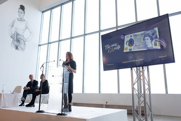 Tracey Emin Bank Of England Governor Carney Unveils New 20 Pound Note