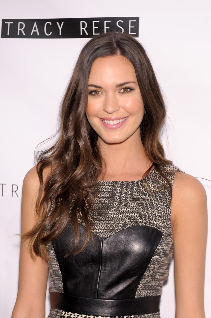 Odette Annable Photos Photos - Tracy Reese - Backstage