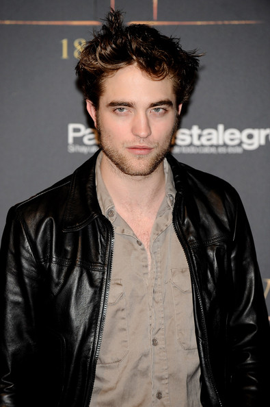 hd wallpapers of robert pattinson. hairstyles robert pattinson