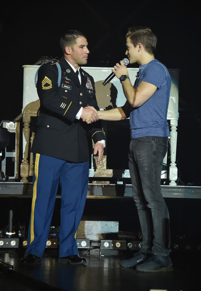 Hunter Hayes' Tattoo (Your Name) Tour Stop