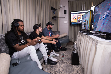 Typical Gamer Seattle Seahawks Richard Sherman Challenges Hike the Gamer in Call of Duty: Black Ops 3
