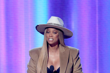 Tyra Banks 2019 American Music Awards - Fixed Show