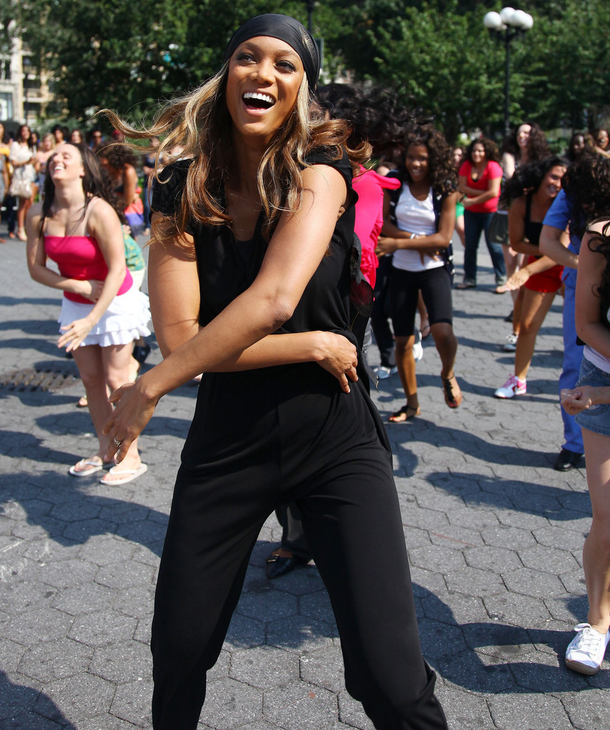 Tyra Banks Music Video: Tyra Banks Participates In A