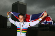 Elizabeth Armitstead Photos Photo