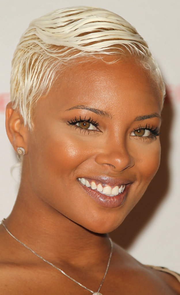 Eva Pigford In Uk Style By French Connection Celebrates