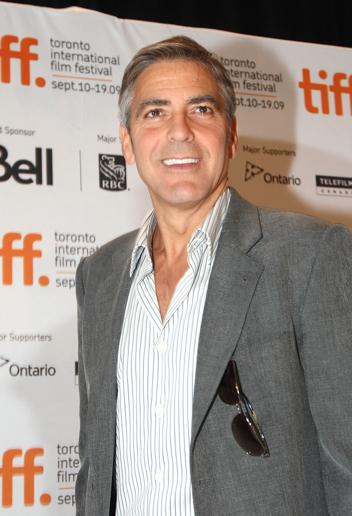 up in the air the descendants film George clooney as ryan bingham in a dramatic male monologue from the film up in the air, 2009 monologuedb the monologue database  up in the air, ryan bingham.
