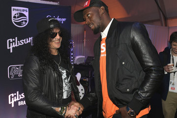 Usain Bolt Gibson Rocks Opening of CES 2018 With Slash