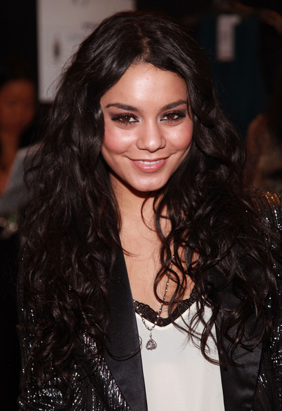 vanessa hudgens leaked photos 2011 online. vanessa hudgens leaked photos