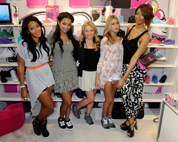 The MAGIC Clothing Convention [footwear,pink,boutique,fashion,event,dress,shoe,fashion design,shopping,fun,jessica jarrell,angela simmons,hailey baldwin,vanessa simmons,alli simpson,dancer,l-r,pastry booth,magic clothing convention,magic clothing industry convention,hailey rhode bieber,angela simmons,vanessa simmons,alli simpson,jessica jarrell,image,actor,tv personality,celebrity,photograph]