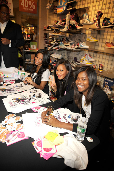 Pastry By Angela & Vanessa Simmons Celebrates Fashion's Night Out [selling,human,fun,footwear,event,comics,fiction,bookselling,leisure,customer,angela vanessa simmons celebrates fashion,personalites,angela simmons,jessica brown,pastry,l-r,fashion,night out,event,night out kick-off]