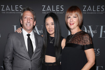 Vera Wang Zales Celebrates the Vera Wang Love Fashion Jewelry Collection