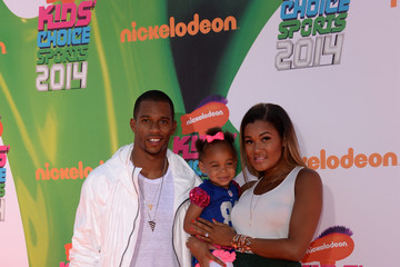 Victor Cruz Arrivals at the Nickelodeon Kids' Choice Sports Awards