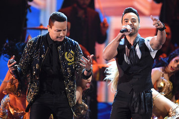 Victor Manuelle The 18th Annual Latin Grammy Awards - Show