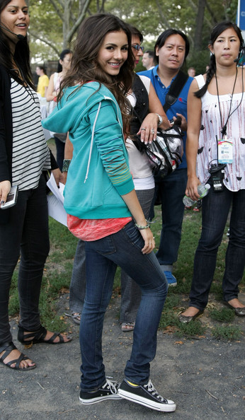 Victoria Justice Nickelodeon's Victoria Justice poses during Nickelodeon's Annual Worldwide Day of Play at NYC Big Brothers Big Sisters RBC Race for the Kids Event in Riverside Park on September 25, 2010 in New York City.
