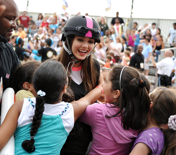 Victoria Justice Victoria Justice celebrates Nickelodeon's largest ever Worldwide Day of Play at the Ellipse on September 24, 2011 in Washington, DC.