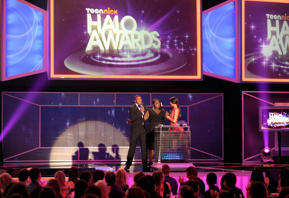 Victoria Justice Host Nick Cannon, honoree Shanoah Washington, and actress Victoria Justice speak onstage during Nickelodeon's 2011 TeenNick HALO Awards held at the Hollywood Palladium on October 26, 2011 in Hollywood, California. The show premieres on Sunday, Nov.7th at 9:00p.m. (ET) on Nick at Night.