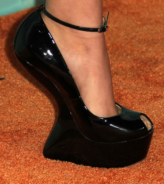 Victoria Justice Actress Victoria Justice (shoe detail) attends the Nickeloden TeenNick HALO Awards at the Hollywood Palladium on October 26, 2011 in Hollywood, California.