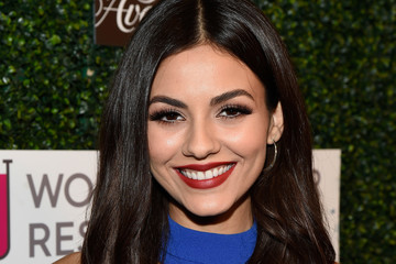 Victoria Justice WCRF's 'An Unforgettable Evening' Presented By Saks Fifth Avenue - Red Carpet