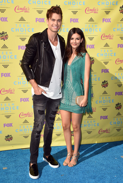 Teen Choice Awards 2015 - Arrivals [green,yellow,youth,fashion,carpet,event,fun,footwear,premiere,flooring,pierson fode,arrivals,victoria justice,teen choice awards,california,los angeles,usc galen center,l]