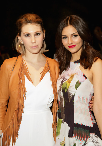 Rebecca Minkoff - Front Row - Mercedes-Benz Fashion Week Fall 2015 [hair,fashion model,fashion,clothing,beauty,hairstyle,fashion show,lip,fashion design,brown hair,rebecca minkoff,victoria justice,zosia mamet,front row,lincoln center,new york city,the pavilion,l,mercedes-benz fashion week,fashion show]