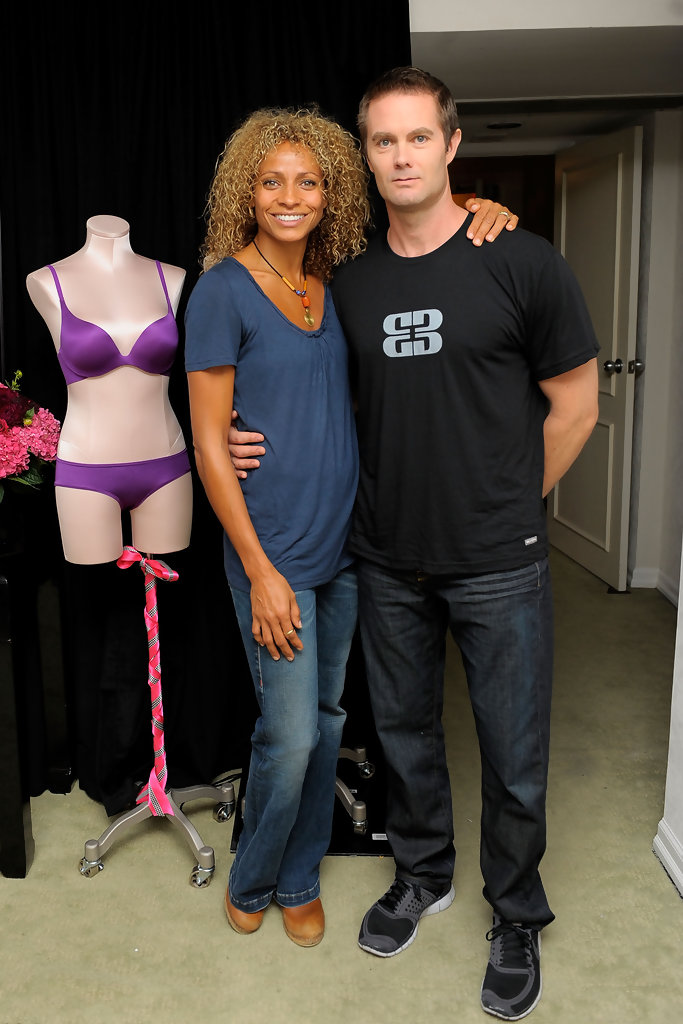 Garret Dillahunt in Victoria's Secret Gifting Suite - 2010 ...