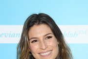 Laury Thilleman Photos Photo