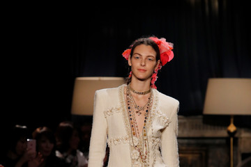 Vittoria Ceretti CHANEL Metiers D'art Collection Paris Cosmopolite - Runway