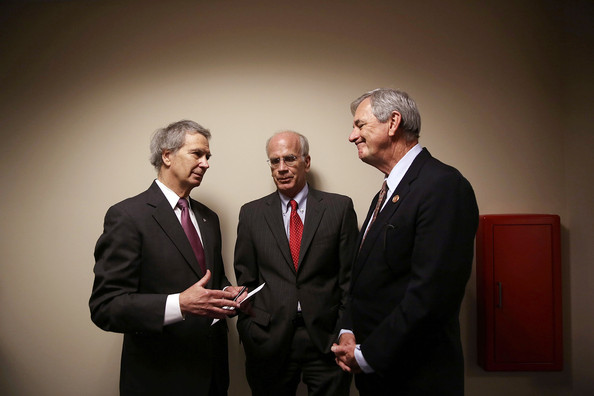 Politicians Discuss Legislation to Limit US Funding to Syria