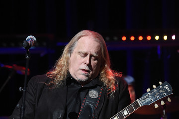 Warren Haynes The Second Annual LOVE ROCKS NYC! A Benefit Concert for God's Love We Deliver - Inside