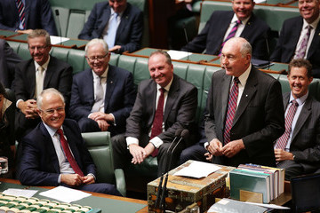 Warren Truss Parliament Sits as Warren Truss and Andrew Robb Announce Retirement from Politics