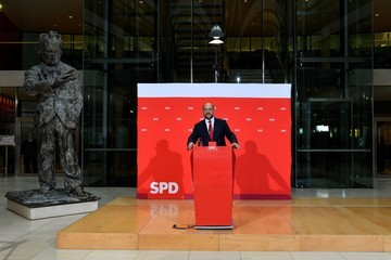Willy Brandt Martin Schulz Gives Statement As Possibility of Grand Coalition Grows