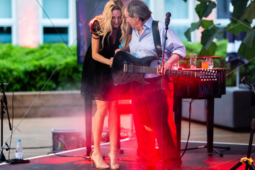 """Wilma Elles Groopy """"Come Together 21"""" With Chris de Burgh In Cologne"""