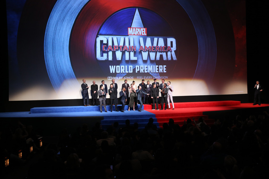 http://www4.pictures.zimbio.com/gi/World+Premiere+Marvel+Captain+America+Civil+HaTnbkHe9VZx.jpg