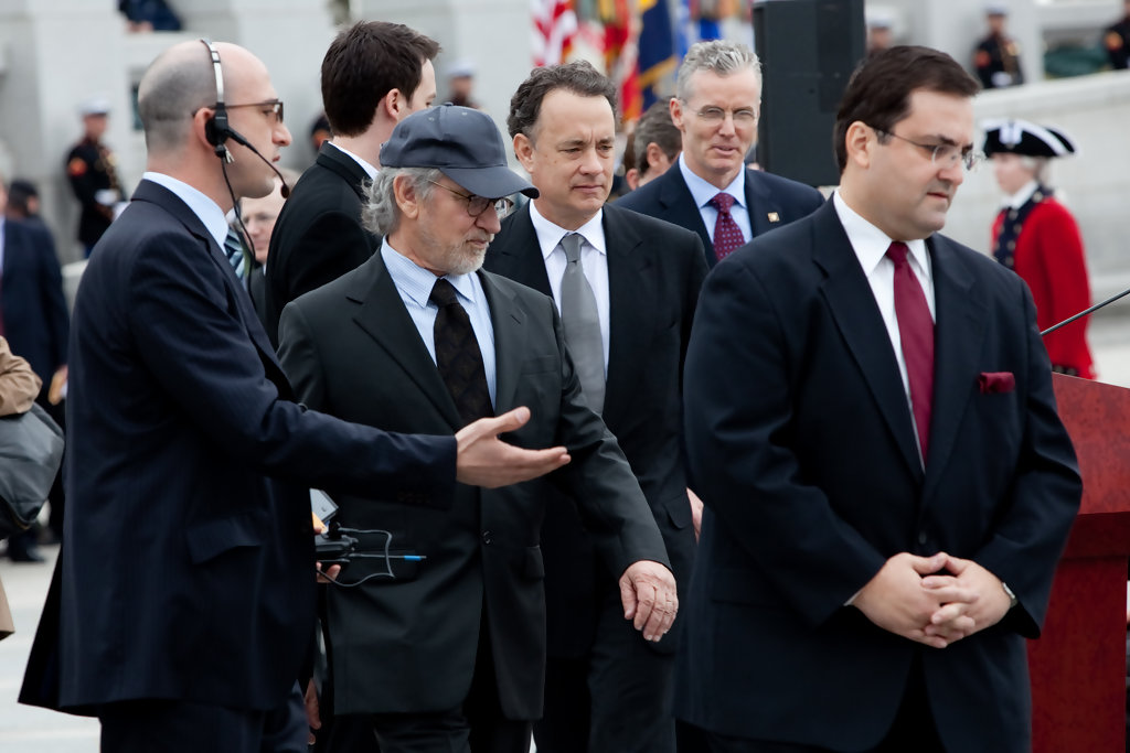 Steven Spielberg Tom Hanks Photos - World War II Memorial ...